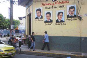 En León, se conmemora el aniversario de la masacre de cuatro estudiantes en 1959.